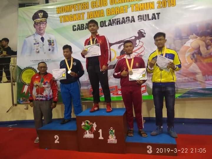 Juara 2 Gulat Tingkat Pelajar Se-Jawa Barat
